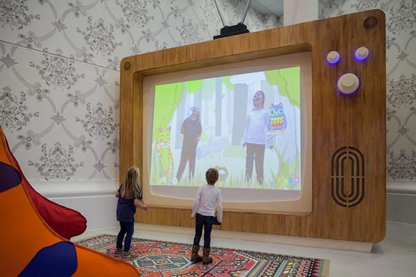 interactive-video-wall-children-4