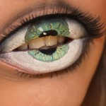 Amazing Makeup of Lips Looks Like Hungry Eyes – It's Shocking!